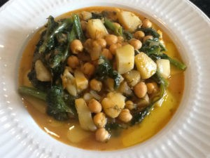 Potatoes chickpeas and spinach Litsa!